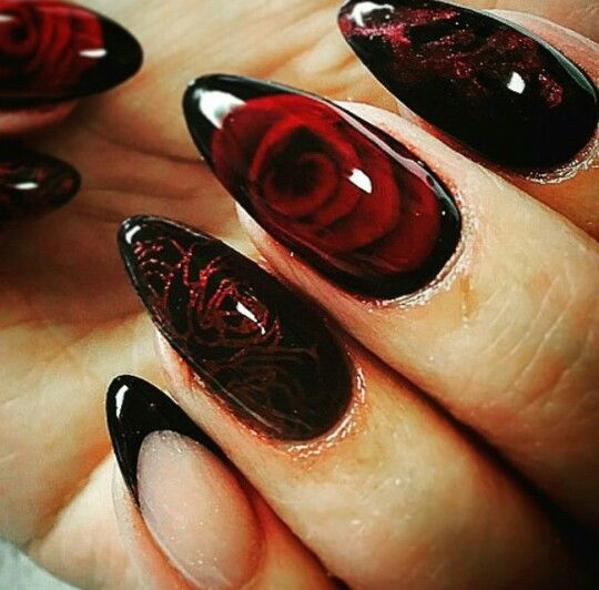 Black nails Red rose