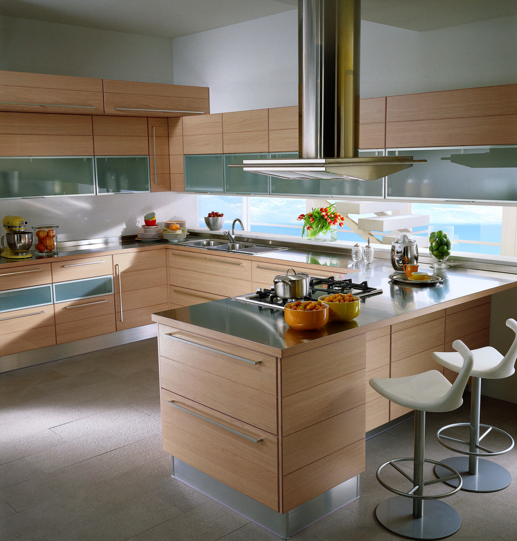 Play by Scavolini. Play a rational and trendy kitchen.