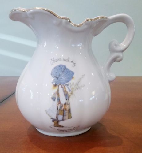 Vintage Holly Hobbie Genuine Porcelain Pitcher 6 32oz Excellent Condition