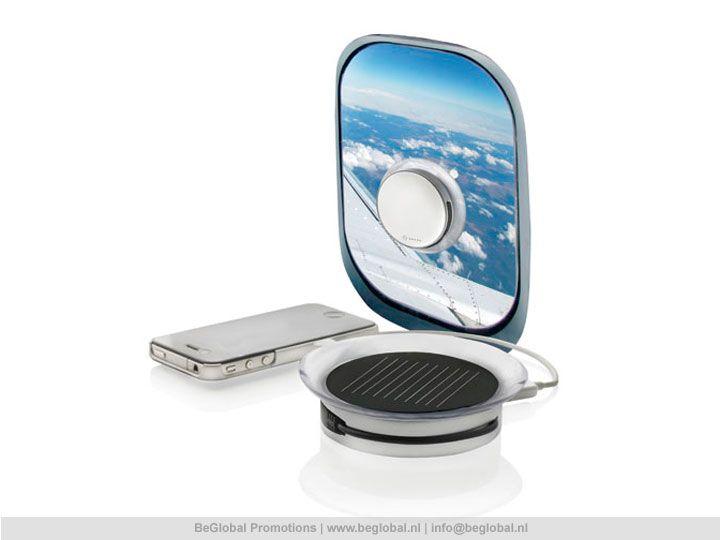#relatiegeschenken #productvandedag Deze zonnelader bevestig je op een raam om je gadgets op te laden.