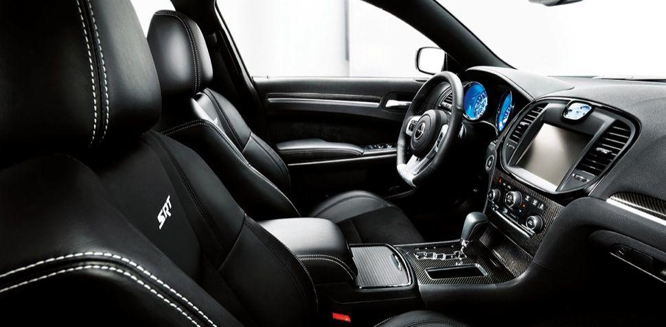 Chrysler 300c Interni All Black Chrysler 300 Srt8 Chrysler