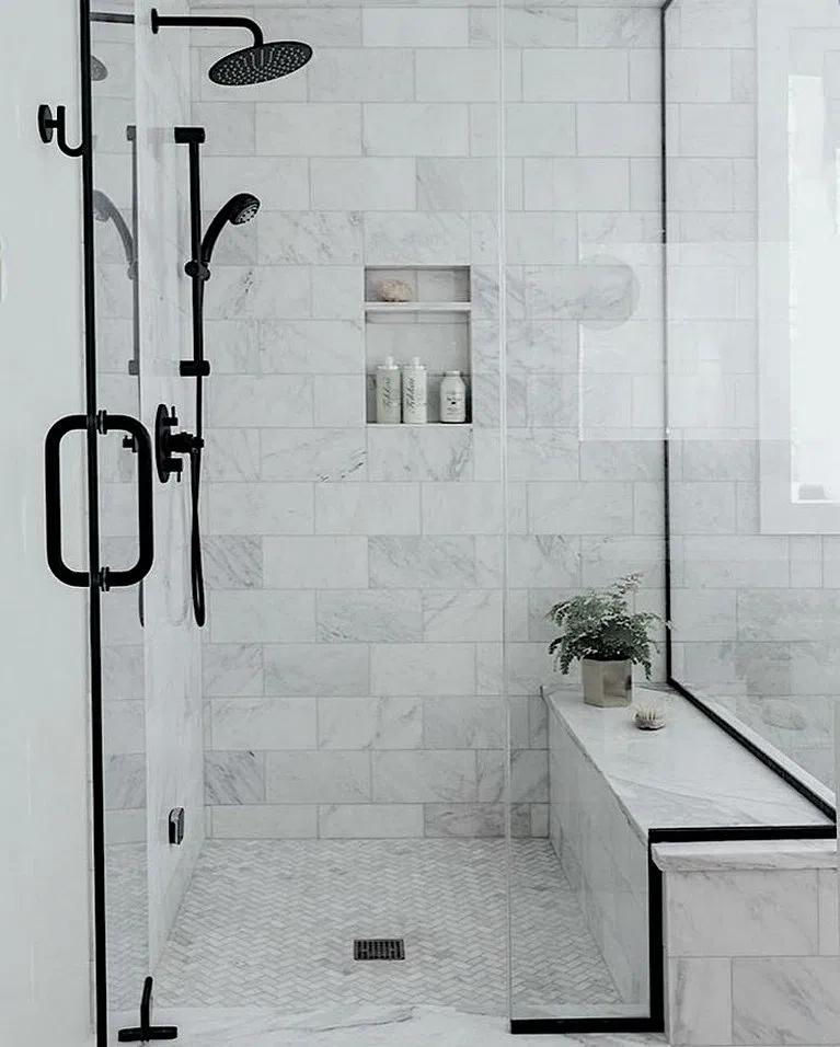 23 Best Farmhouse Master Bathroom