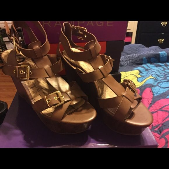 Wedges Guess wedges never worn Guess Shoes Wedges