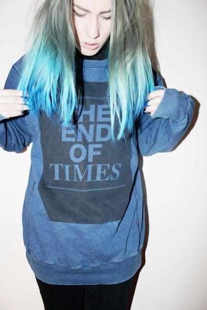 blue hair tips
