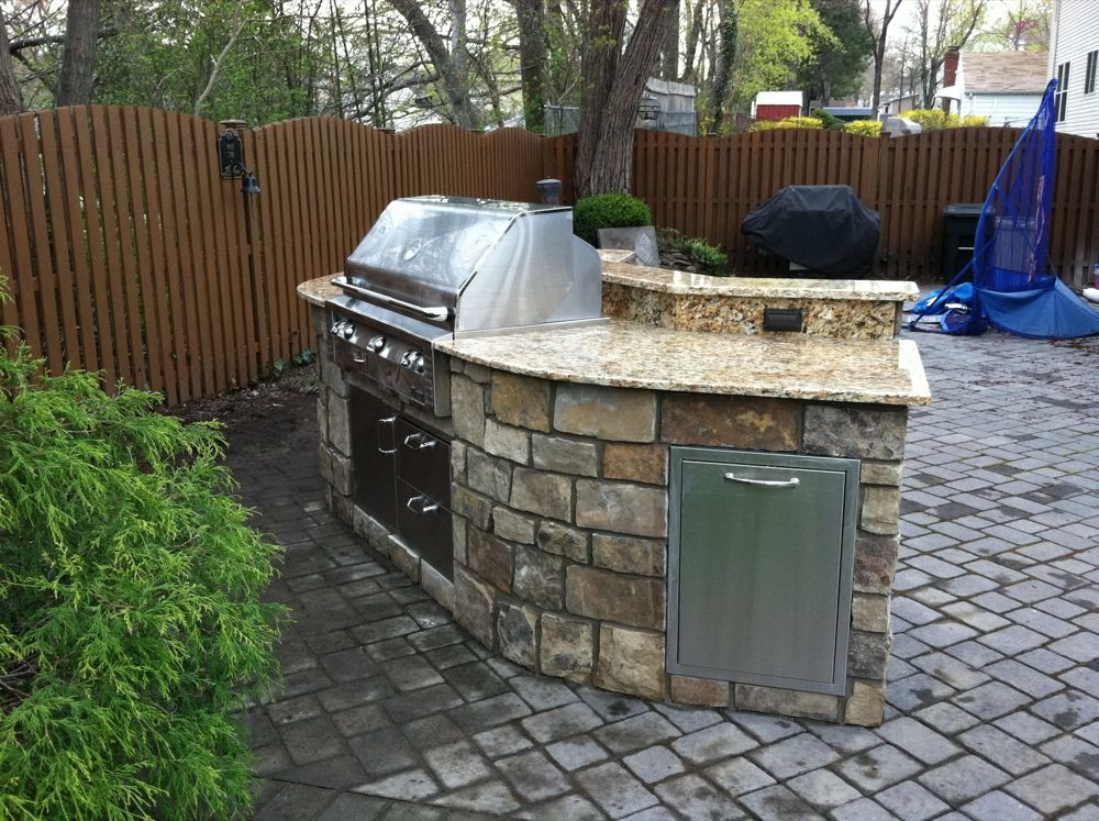 Small Outdoor Kitchens With Pergola Site Managed By East Coast Efx Small Outdoor Kitchens Outdoor Kitchen Outdoor