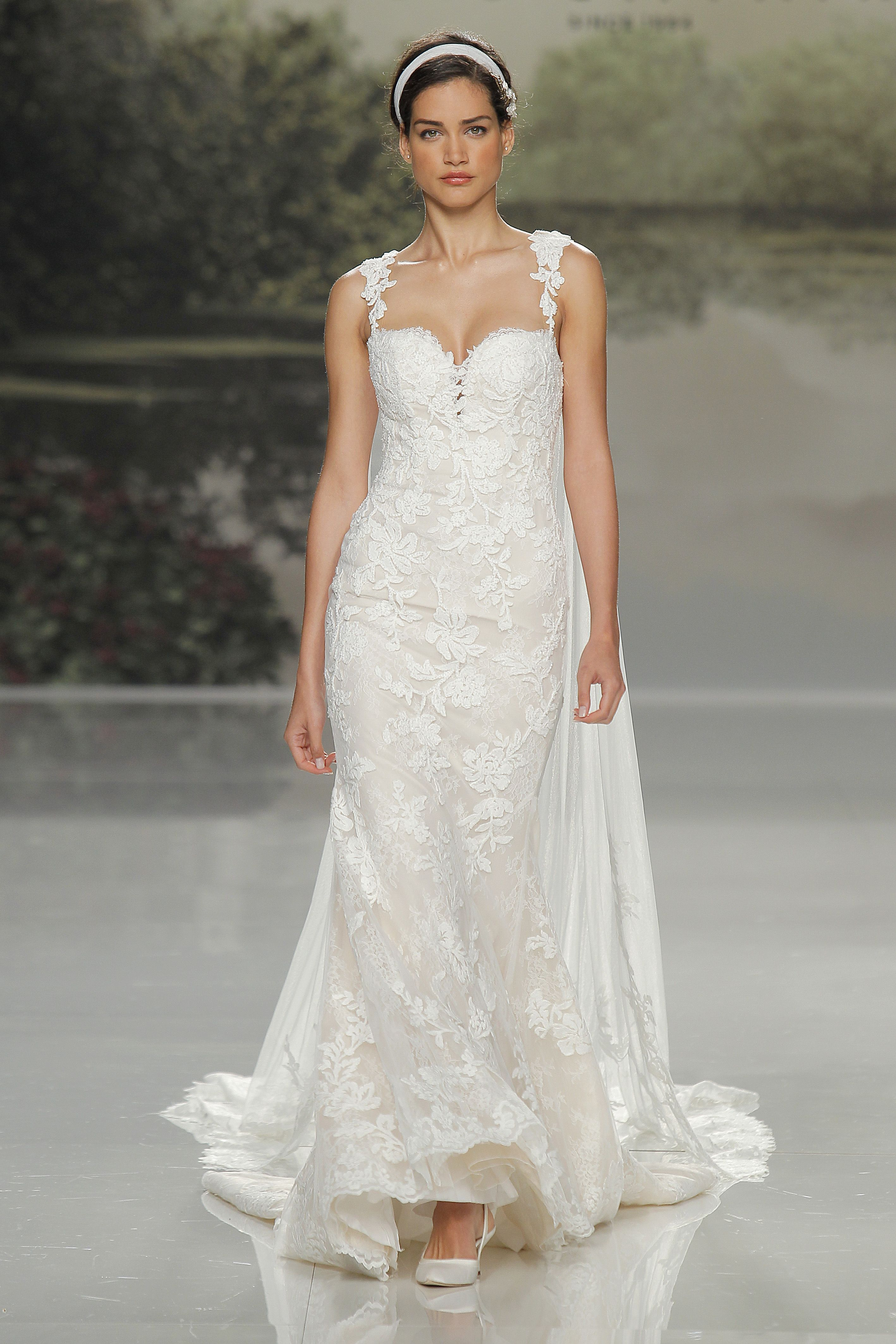 Zelda wedding dress  Pin by Zankyou Weddings USA on Embroidery and Tulle with St