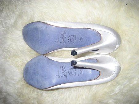 christian louboutin shoes blue sole