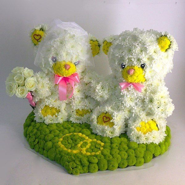 Bride and groom real flower teddy bears For Wedding day or
