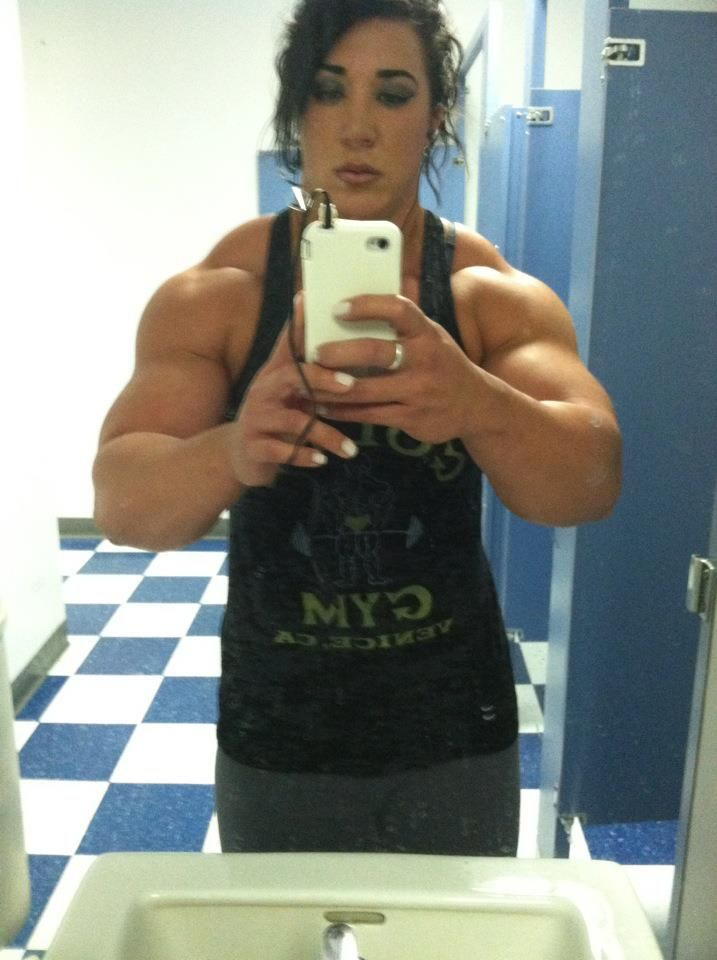 posing mirror | Megan Abshire | Pinterest | Beast mode