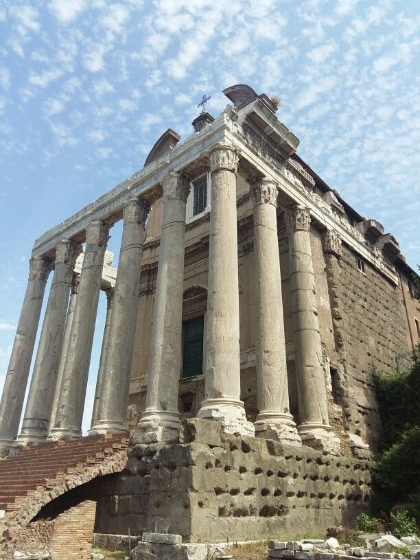 At the Roman Forum #sightseeing #rome