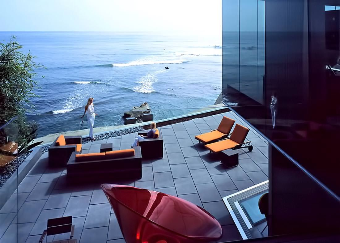 Mansion dream house: Glass House of Dr. Stefan Lemperle in San Diego, California