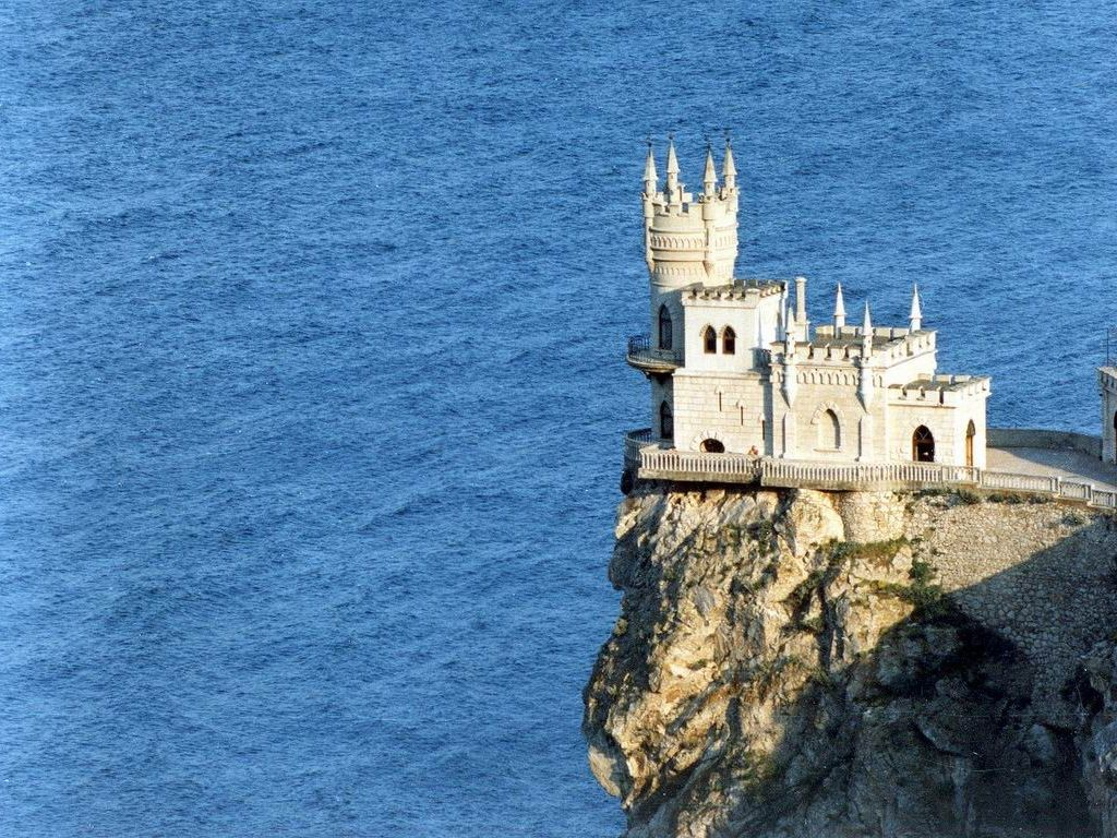 The Swallows Nest a Castle on a Cliff in the Crimea Places To