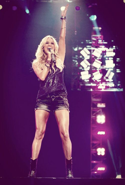 Those Legs Though Carrie Underwood Carrie Underwood Carrie Underwood Style Carry On