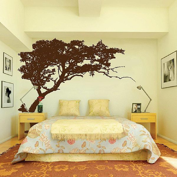 Does Your Bedroom Have a Big, Empty Wall? Here\'s how to Decorate ...