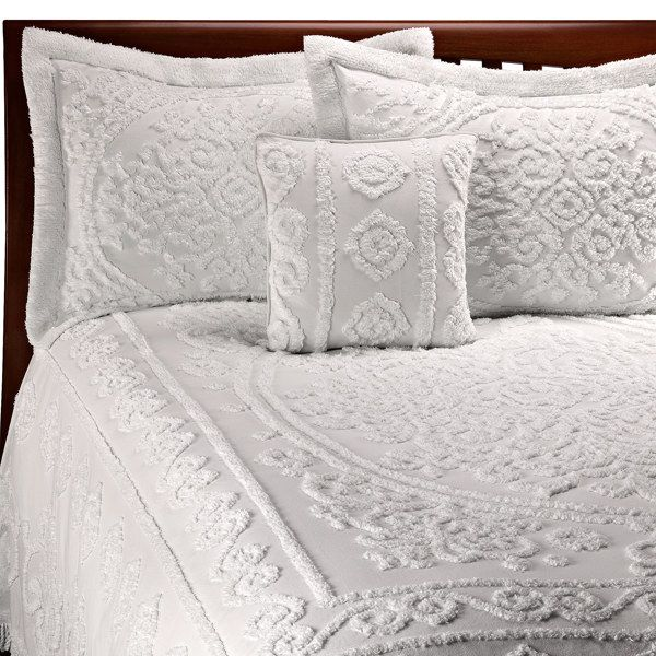 I Really Like The Old Fashioned Bedspreads Thinking Of Going With Something Like This Queen Size Bedspread Bed Spreads Bedspread Set