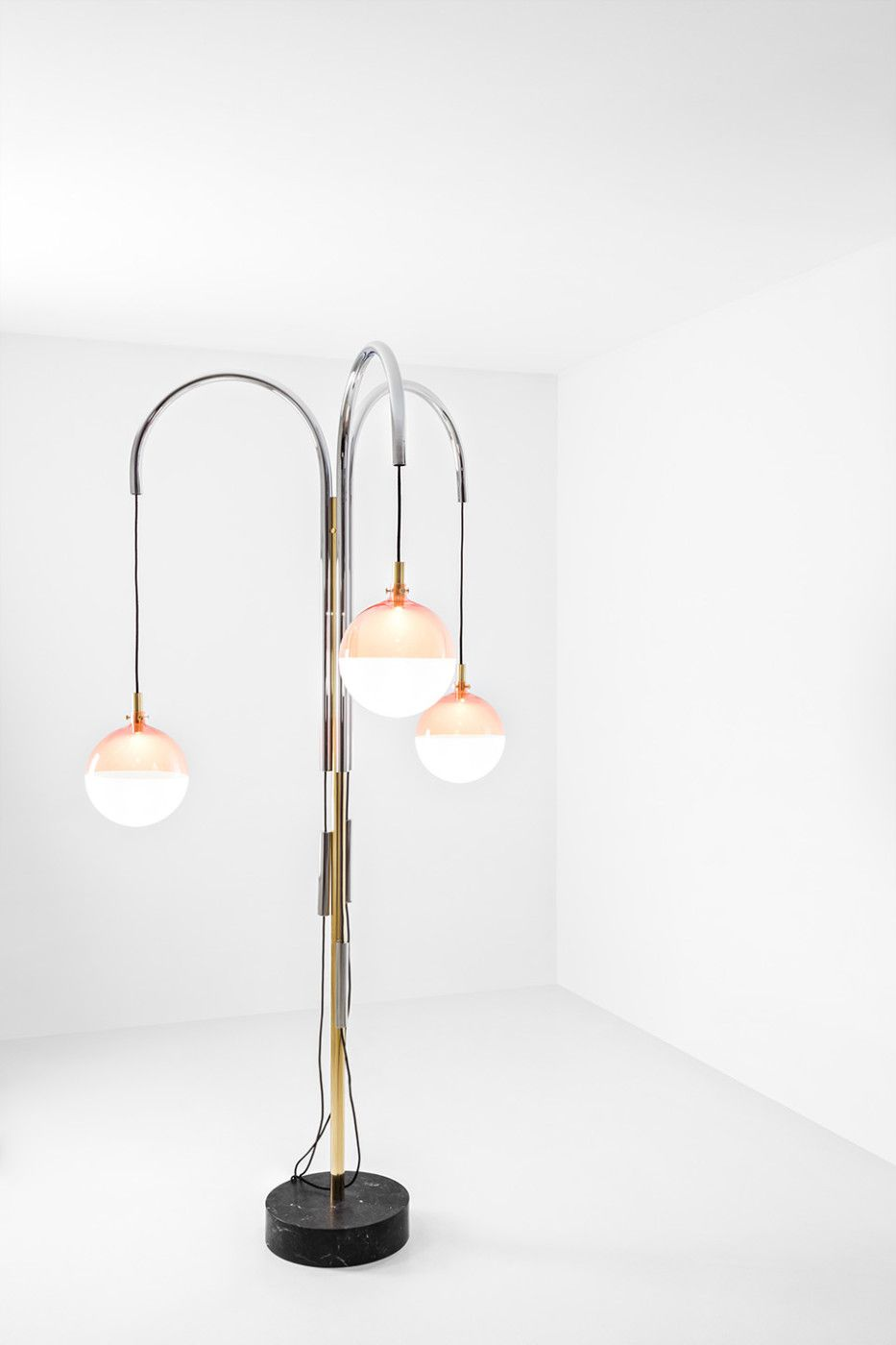 Pin On Luminaires Interieur Lampe A Poser