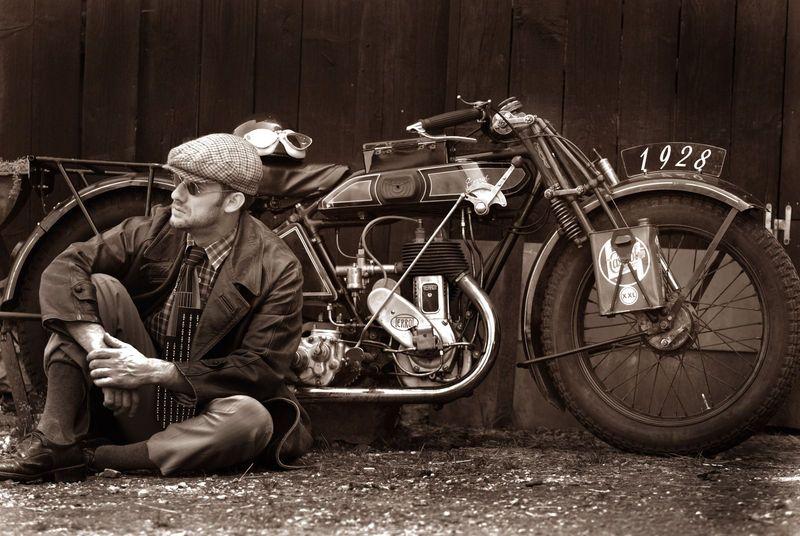 voyage en moto terrot 350 de 1928 vintage motorcycle europa 1 pinterest. Black Bedroom Furniture Sets. Home Design Ideas
