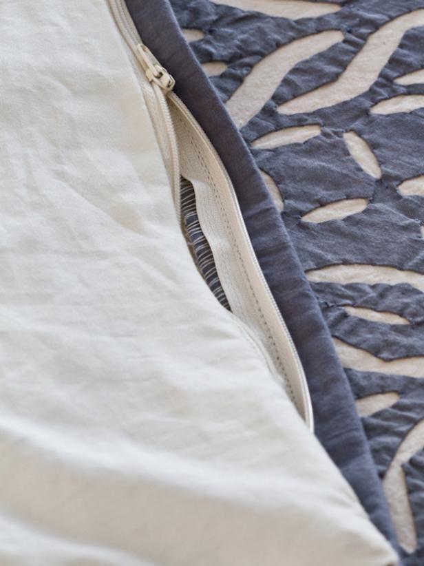 Turn A Coverlet Into A Duvet Cover Duvet Cover Pattern Duvet Cover Diy Quilted Duvet Cover