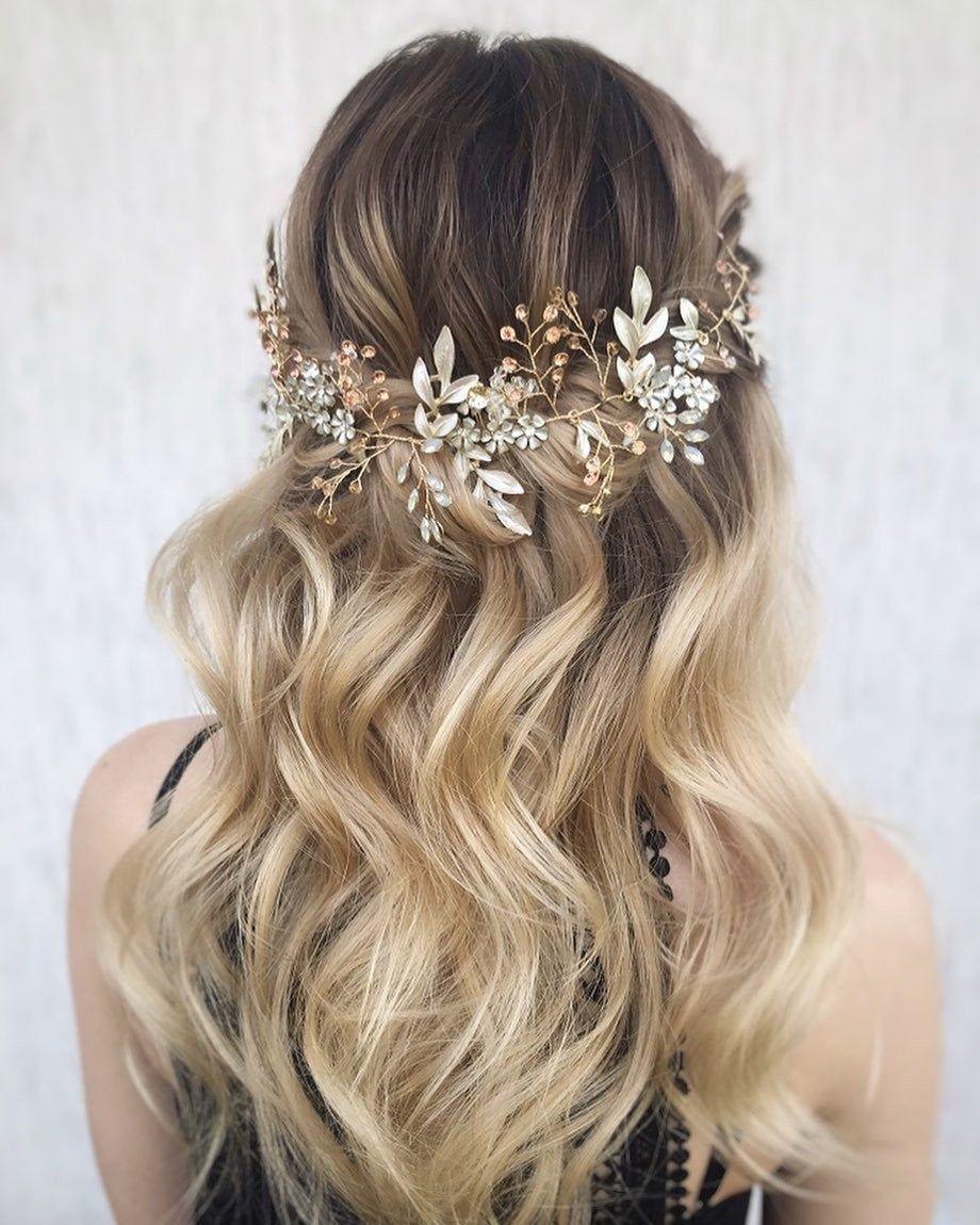 45 Perfect Half Up Half Down Wedding Hairstyles In 2020 Braided Hairstyles For Wedding Wedding Hair Half Bride Hairstyles