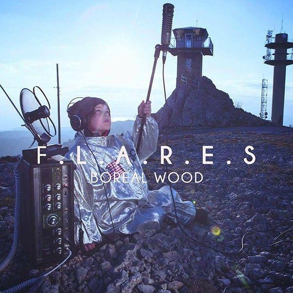 Boreal Wood, le duo dream pop originaire de Toulon, nous propose un deuxième EPtrès abouti, produit par un orfèvre en la matière. L'histoire entre Eliz (Elisabeth Cervetti) et Anton (Anthony Herbin) débute à Berlin en 2013 lors d'un stage de photo. Entrainés à Spreepark, un parc d'attraction abandonné, ils décident de monter un groupe dans …