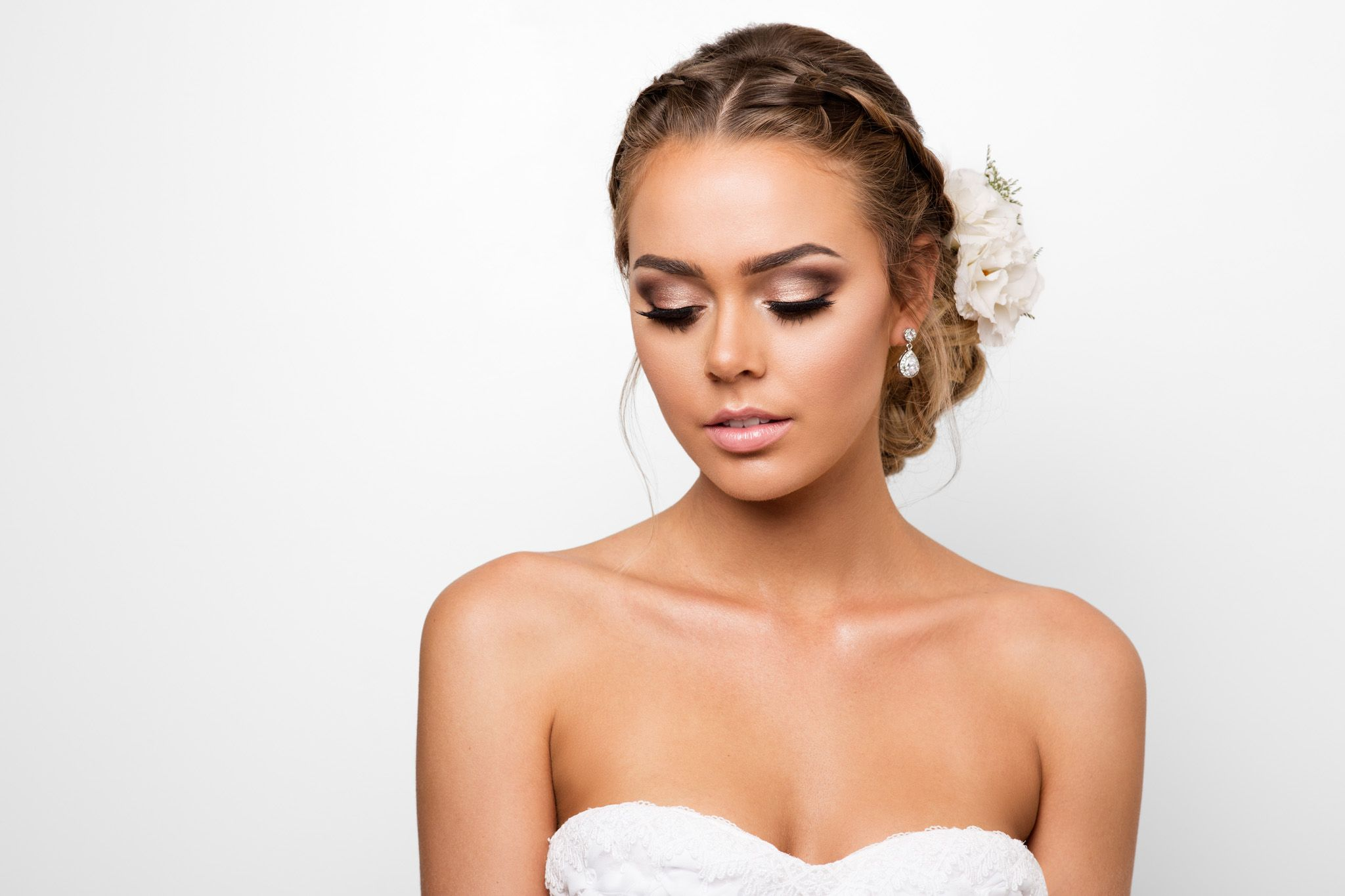 Pin by Emmy on Make up Wedding hair, makeup, Bride