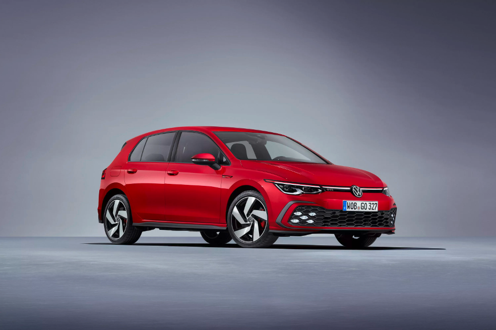 2021 Vw Golf Gti Sticks To Its Evolutionary Guns Volkswagen Gti Volkswagen Golf Volkswagen