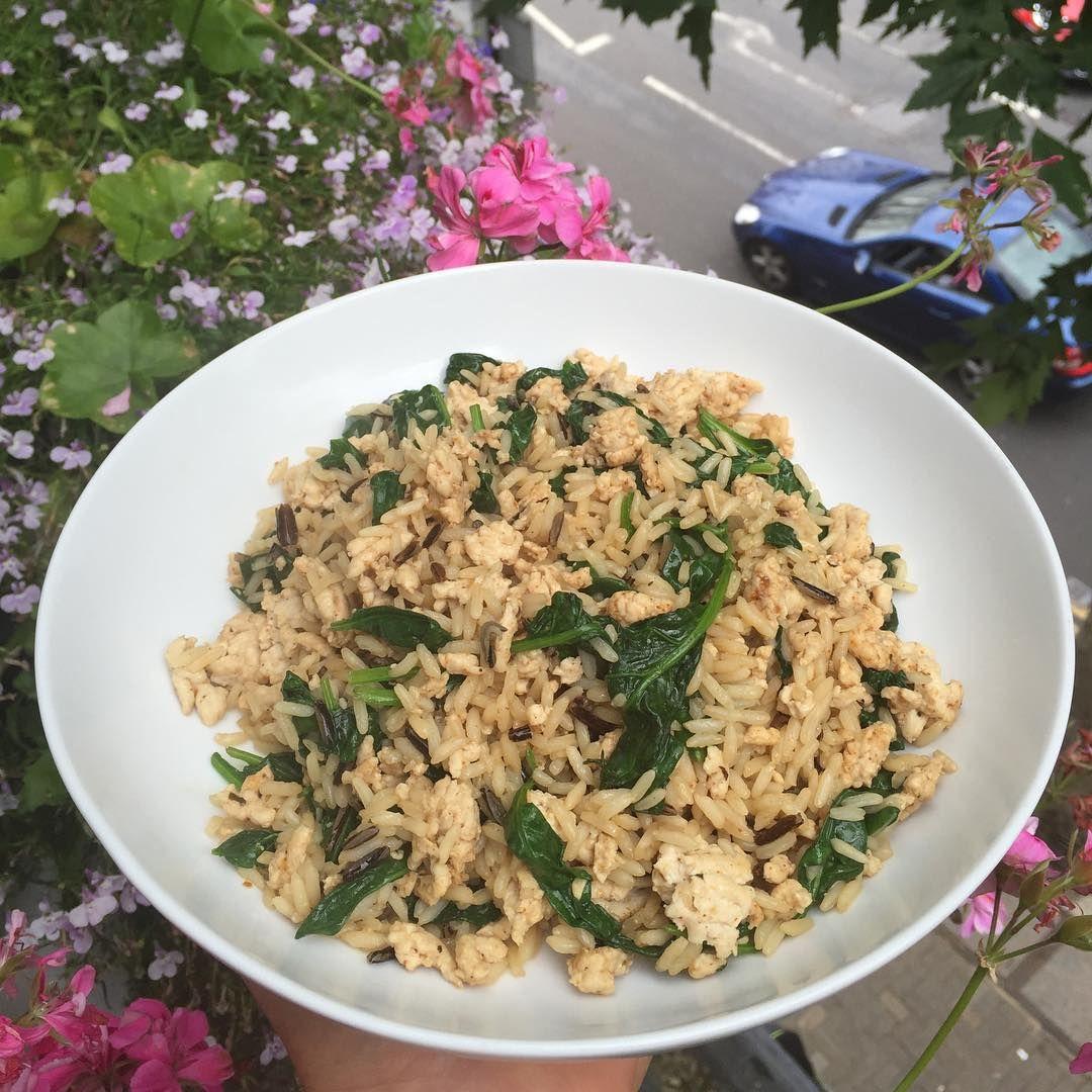 6 ingredients 1 wok 1 easy #Leanin15 post workout refuel ...