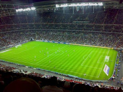 Top 10 Largest Football Stadiums In The World Gettoptens Com Wembley Manchester United Stadium Wembley Stadium
