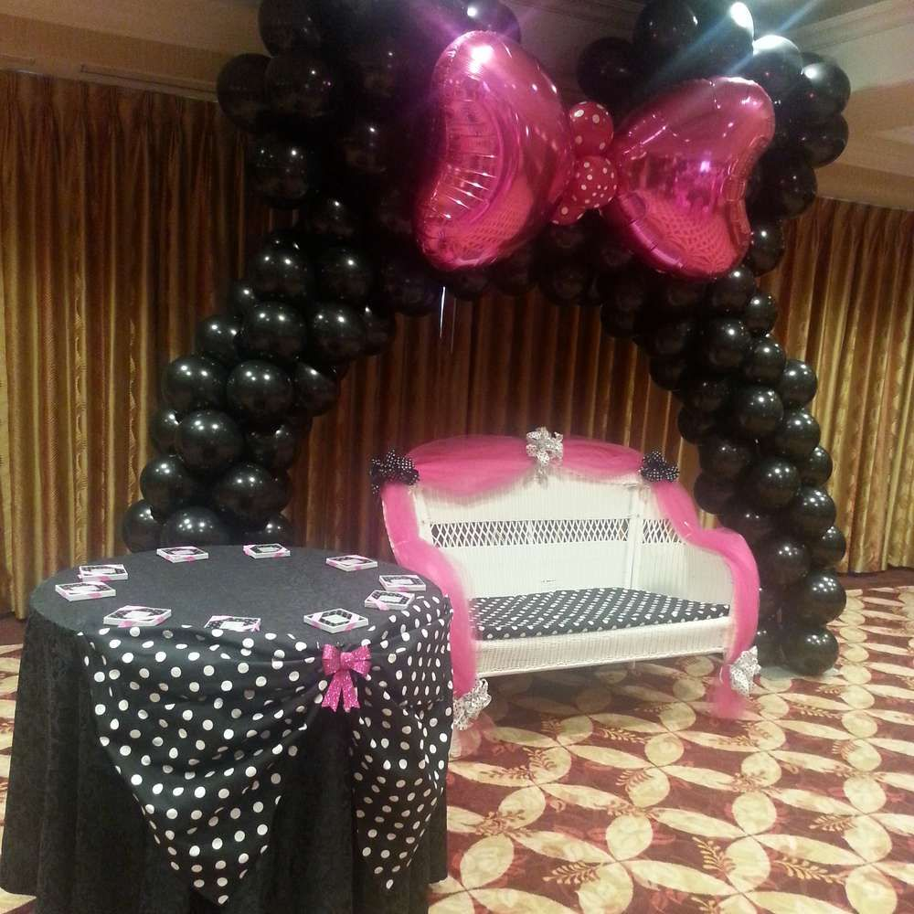 Minnie mouse polka dots baby shower party ideas polka for Baby minnie mouse party decoration