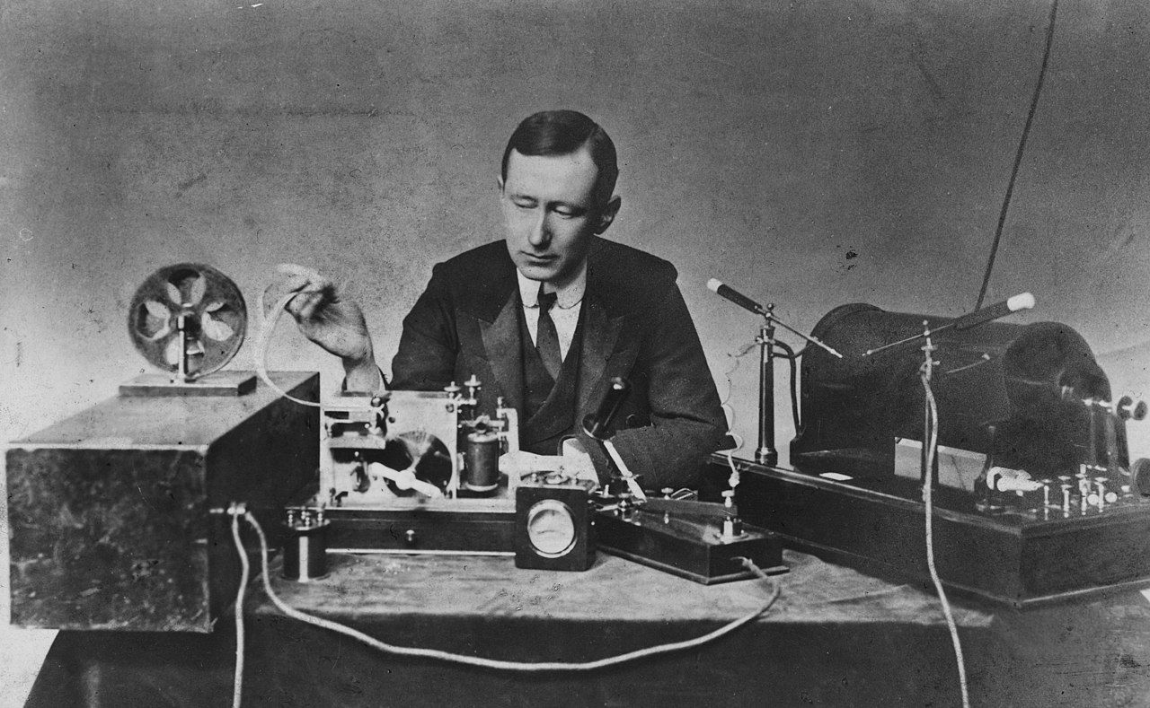 Guglielmo Marconi 1901 wireless signal Shortwave radio
