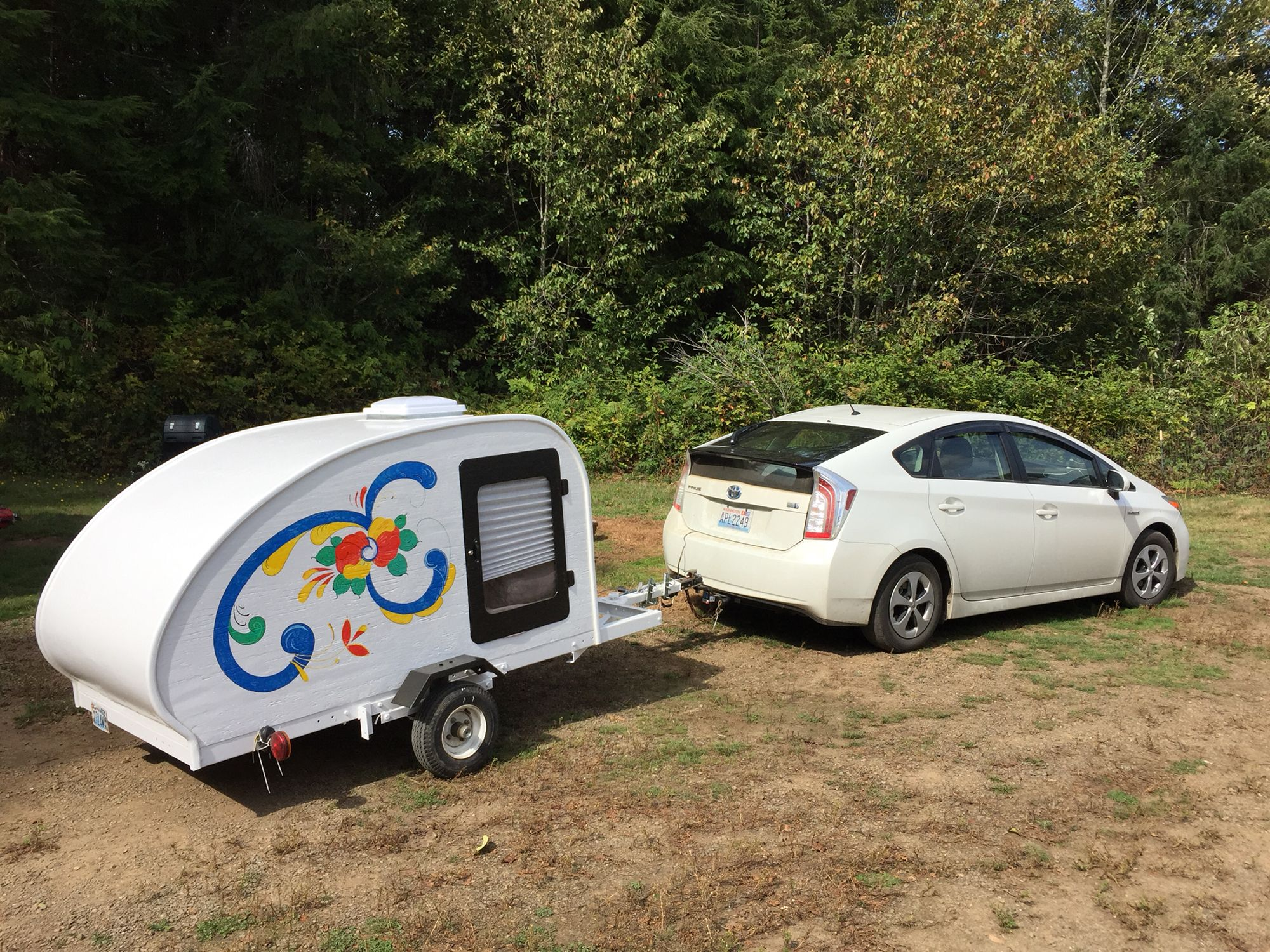 Prius Pulling A Teardrop Trailer I Made The Trailer With My Husband Tiny Trailers Prius Small Trailer