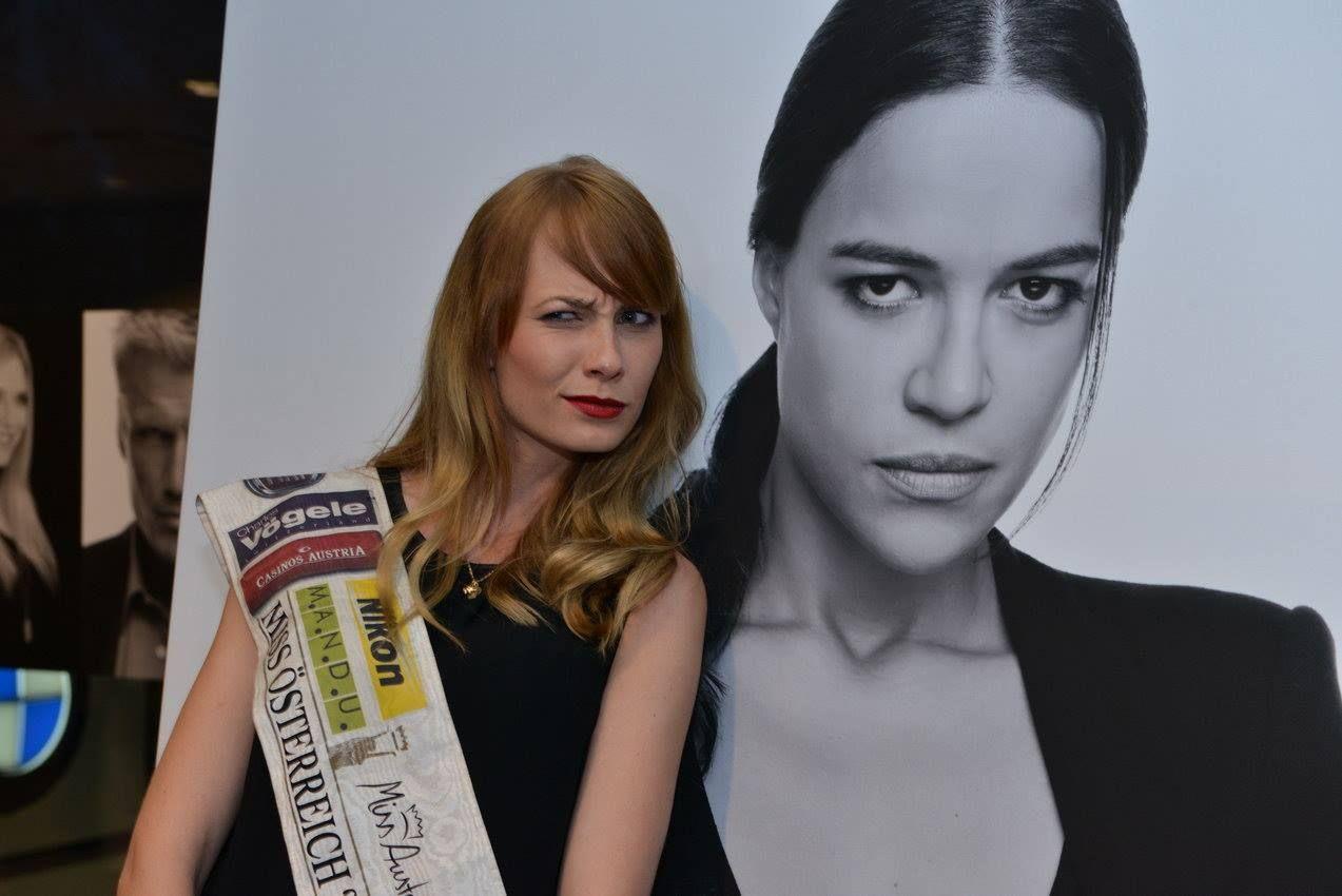 """Miss Austria, Ena Kadic bei der Buchpräsentation """"L.A. Stories"""" des Starfotografen Manfred Baumann"""