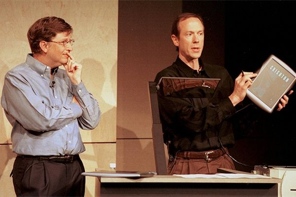Bill Gates and Bert Kelly demonstrate a Tablet PC on June 22, 2000--more than two years before the first Tablet PCs shipped