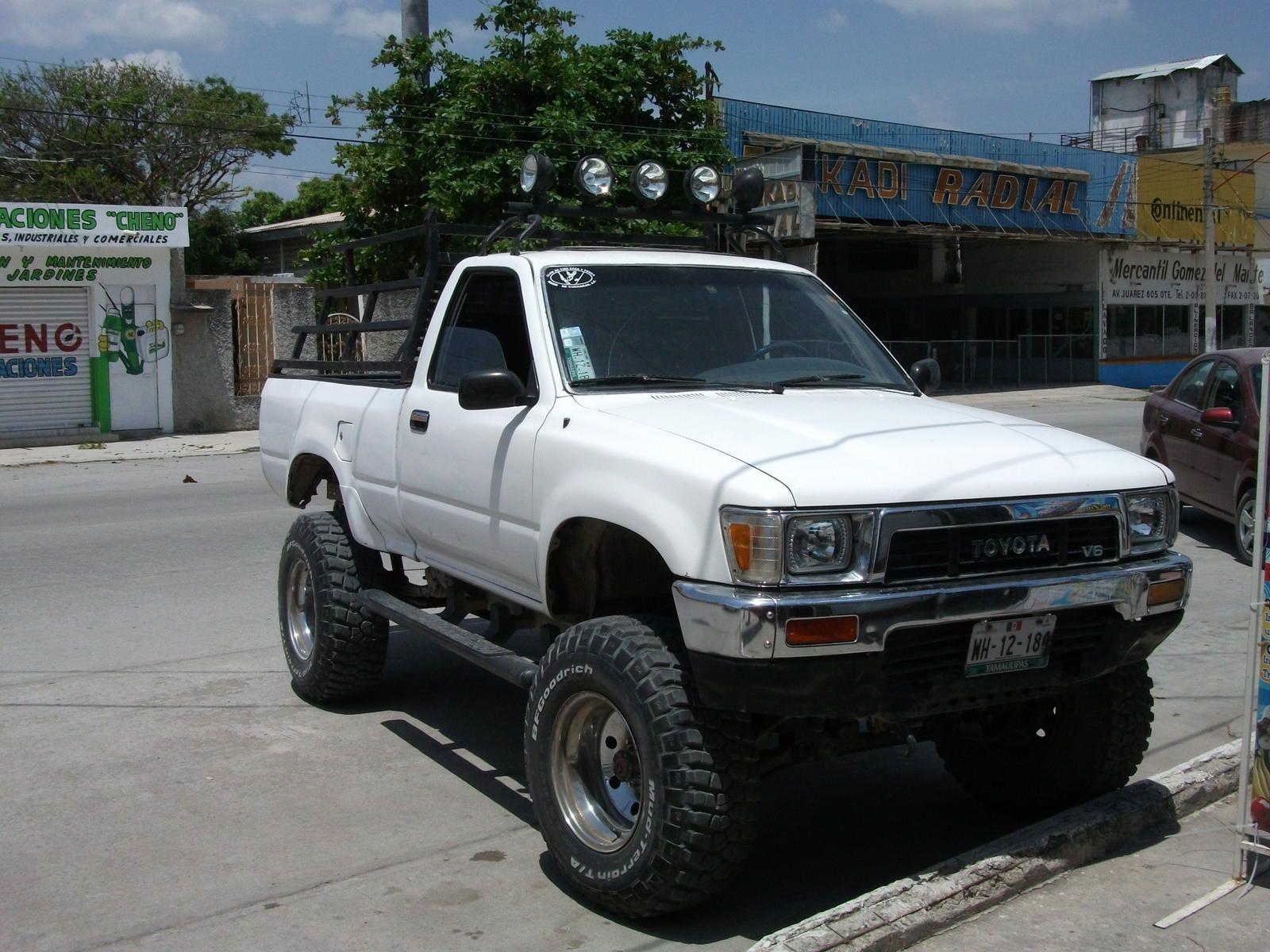 89 pickup 4x4 toyota old school trucks 4x4 trucks. Black Bedroom Furniture Sets. Home Design Ideas