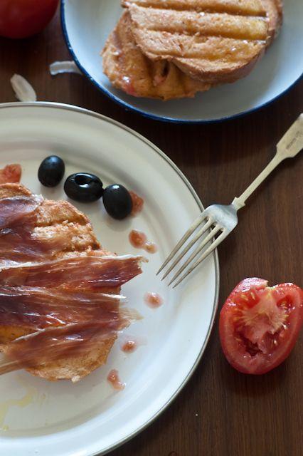pan amb tomaquet ~ Spanish Tapas