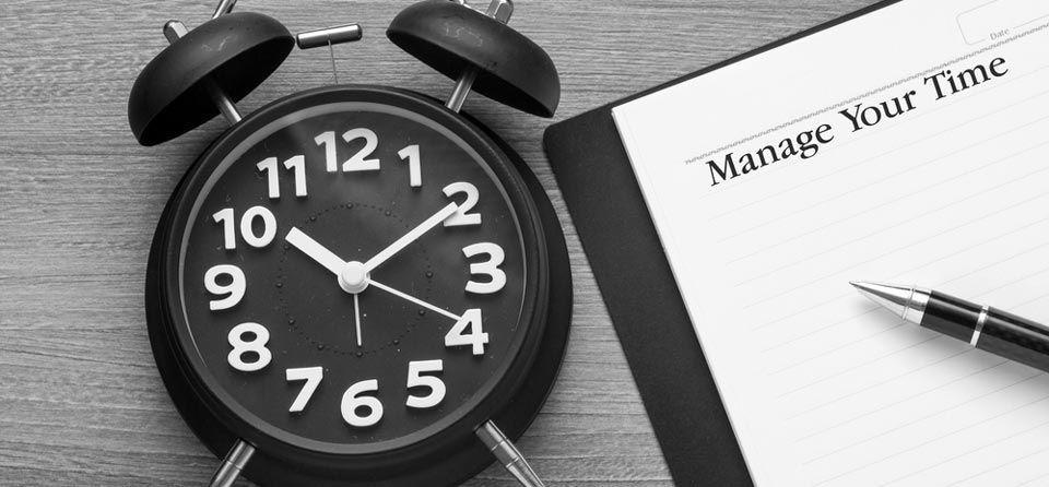 Cara Mengatur Waktu Agar Lebih Produktif Bekerja Buku Catatan Jam Tangan