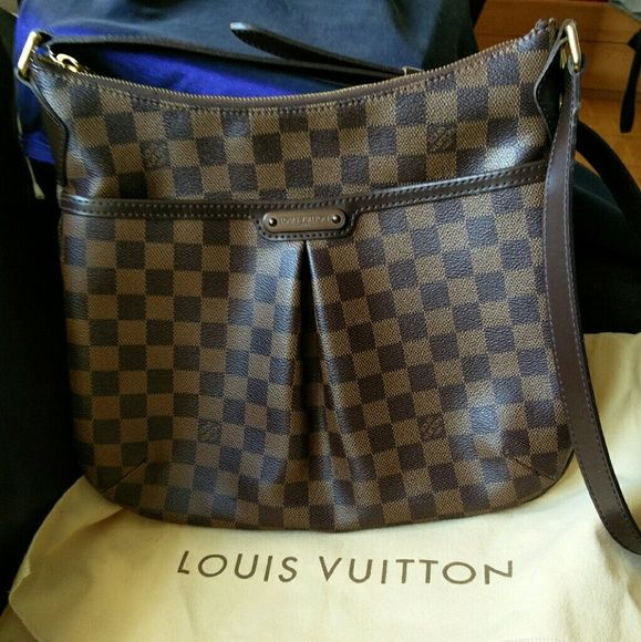 08a2fd37df Authentic Louis Vuitton Damier Bloomsbury PM bag Authentic Louis Vuitton  Damier Bloomsbury PM bag. Comes