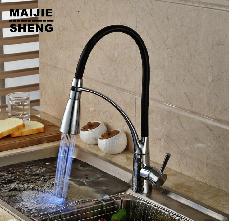 62.99$  Watch now - http://aliu33.worldwells.pw/go.php?t=32600512669 - 2016 new LED pull down kitchen faucet torneira cozinha Led light kitchen tap pull out kitchen mixer pull out sink torneiras 62.99$