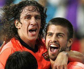 El bello Gerard Piqué y la bestia Carles Puyol