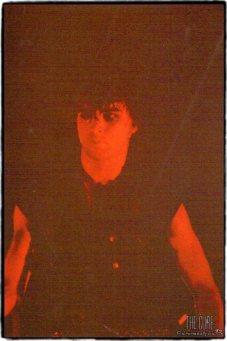 Simon Gallup 1982
