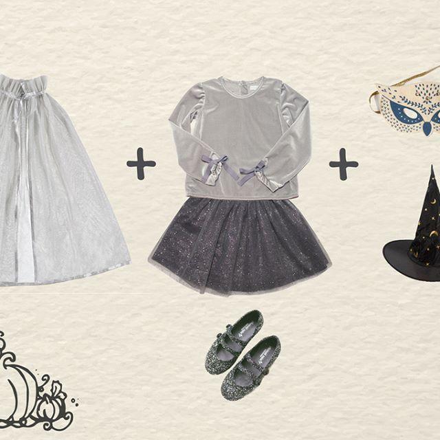 #Comparte nuestro #LookHalloweenPlumetiRain 👻🎃 // #Share our #LookHalloweenPlumetiRain🎃👻 📷 En la foto // In the pic: - Blusa de Terciopelo//Velvet Blouse (@plumetirain) - Falda de Tul// Tulle Skirt (@plumetirain) - Merceditas de glitter// Glitter Shoes (@plumetirain) - Capa con brillo//Glitter Cape (@littlecirclekids) - Antifaz//Owl Mask (@littlecirclekids) 💻 Nuestra Colección//Our Collection: http://plumetirain.com/coleccion-aw16/  #HappyMonday #HappyHalloween #Fashion #Fashionista…