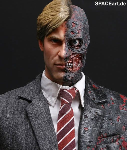 Batman - The Dark Knight: Two-Face Harvey Dent, Fertig-Modell, http://spaceart.de/produkte/bm002.php