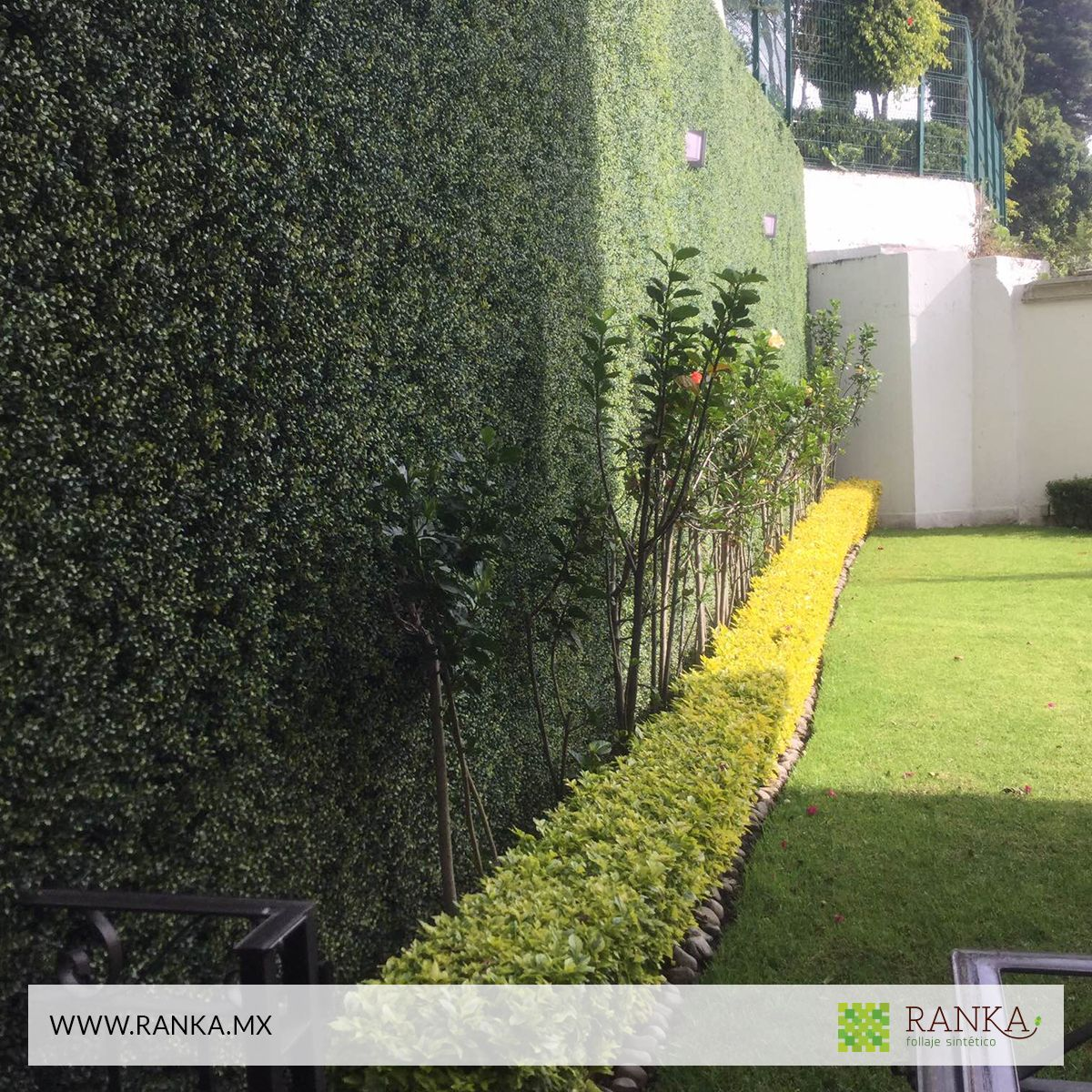 Follaje y plantas artificiales con apariencia 100 natural for Plantas artificiales jardin vertical