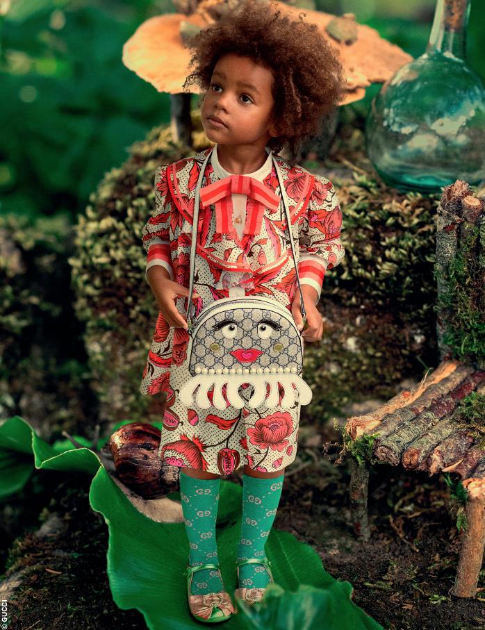 d822f5f9896 Robe Mini Me à jabot avec imprimé fleuri Gucci pour fille