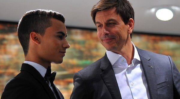 Con la conferma di Bottas alla guida della Mercedes per la stagione 2017, si chiude la saga che più ...