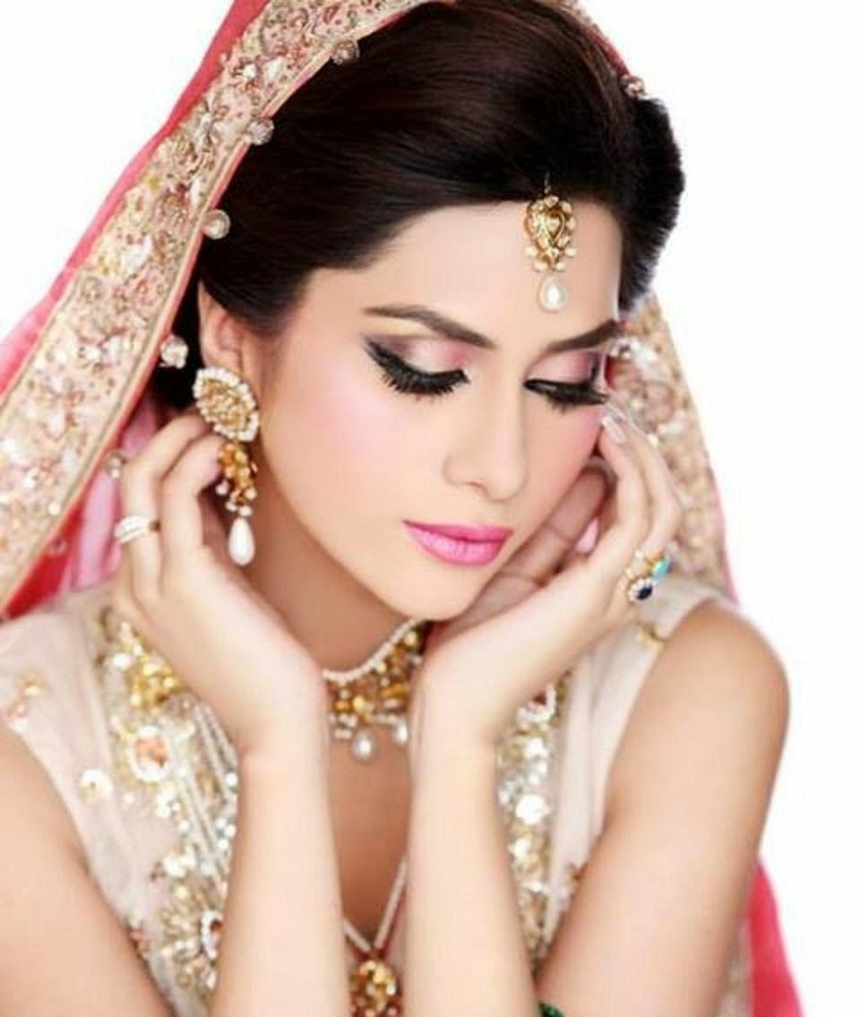 Beautiful And Pretty Bridal Makeup Wallpaper Free All Hd Wallpapers Bridal Face Makeup Bridal Makeup Pretty Bridal Makeup