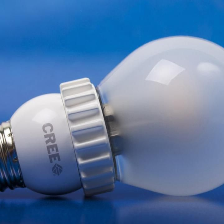 Cree, A Leading Company In LED Lighting, Announced A New Series Of Energy Saving  Light Bulbs That Look And Function Like Incandescents.