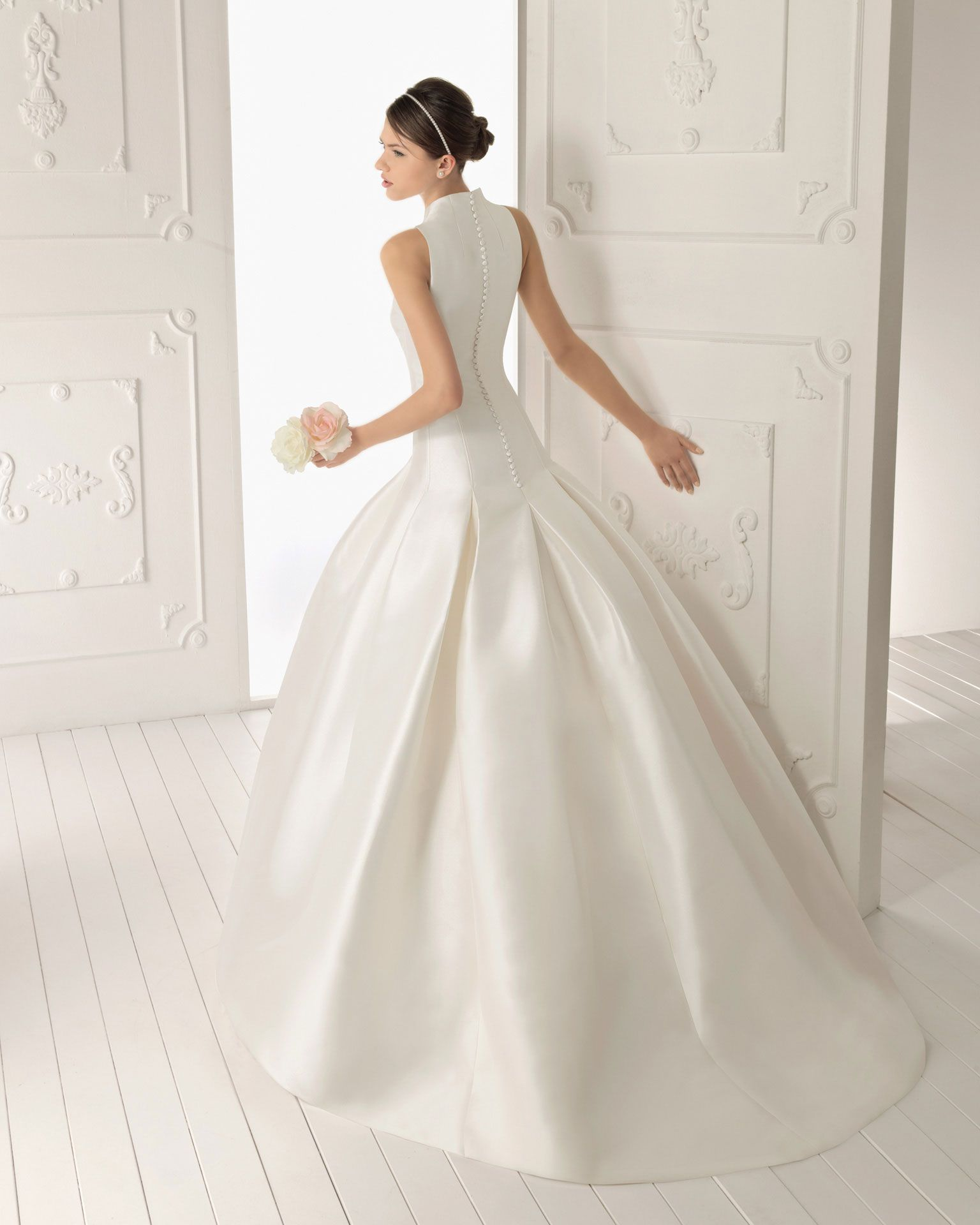 Simply Stunning 2017 Wedding Gown Tailored Is Tres Chic