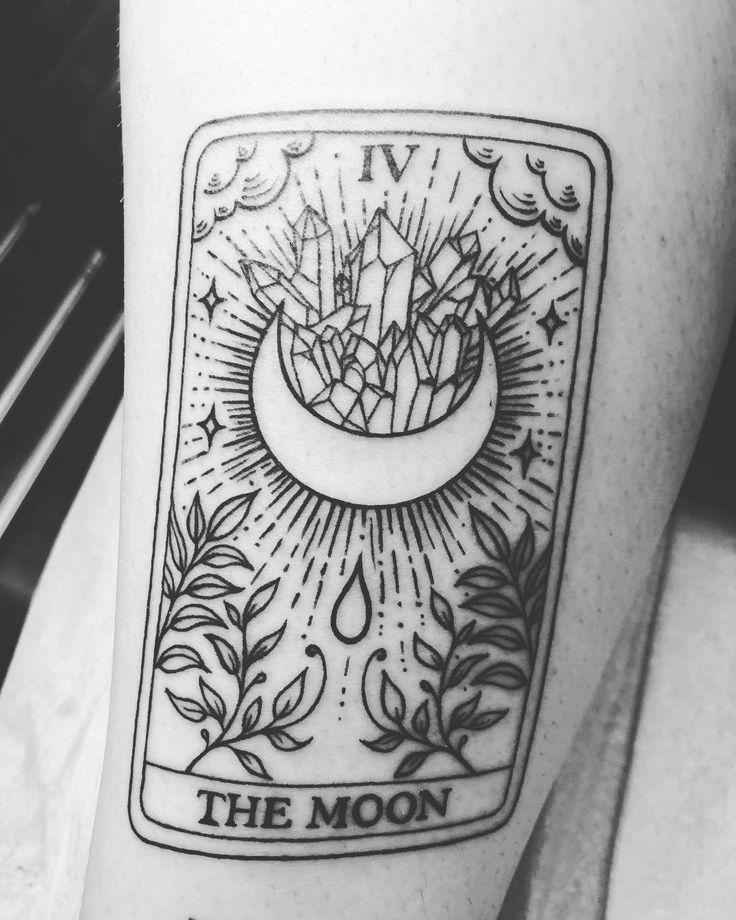 Photo of la lune + tarot
