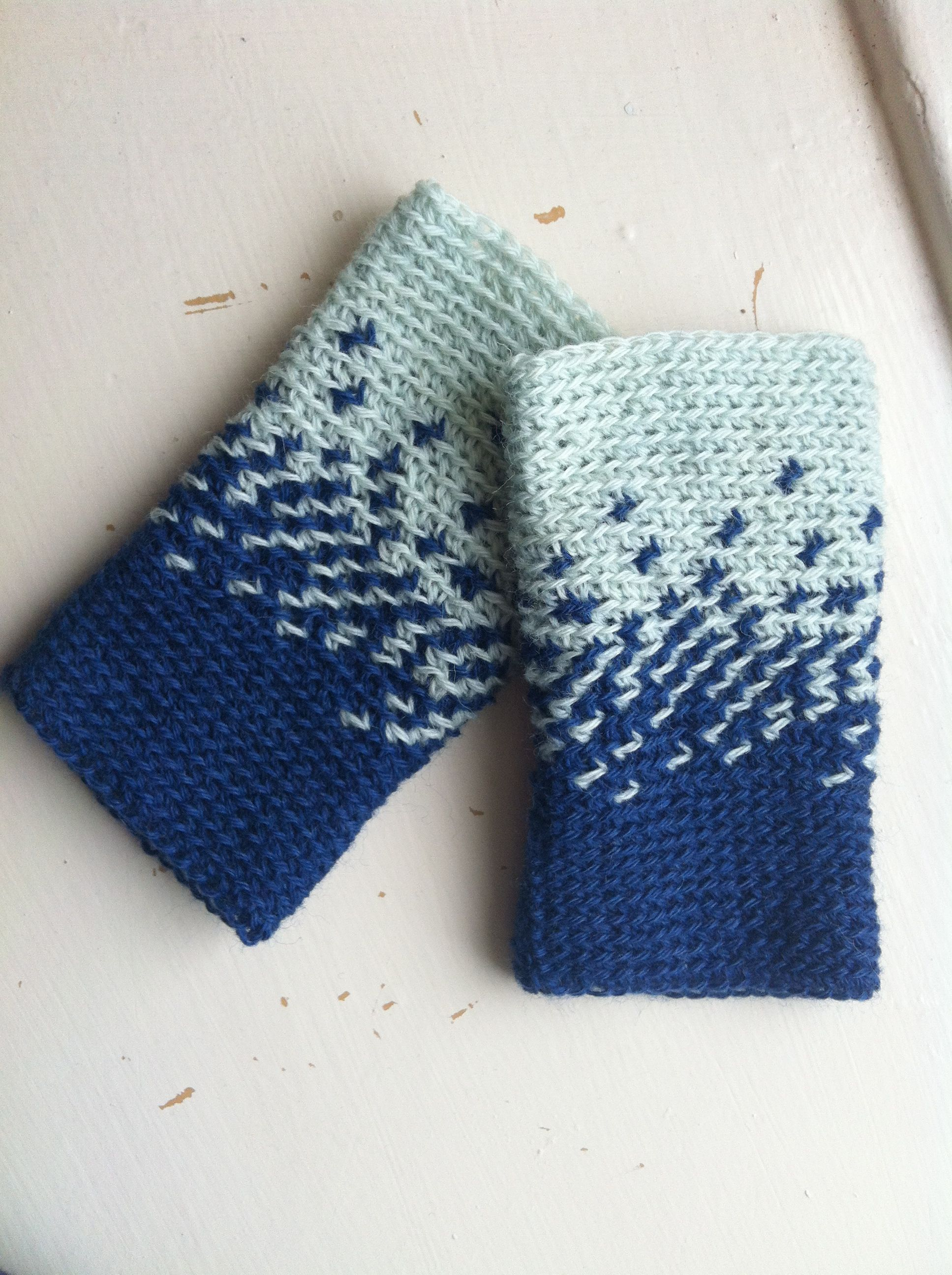 My Night to Day wrist warmers use stranded colourwork | Crochet ...